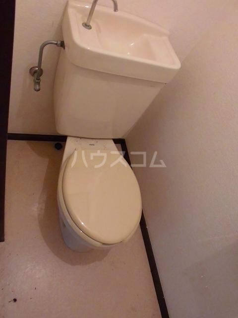アメニティ瀬川 302号室のトイレ