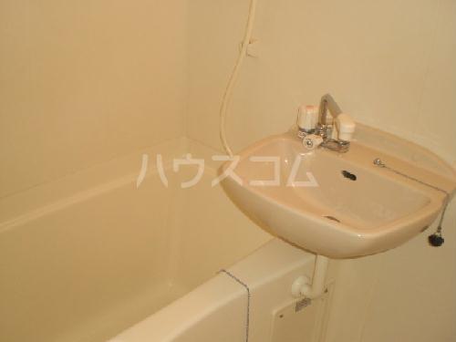 レオパレス雅 208号室の洗面所