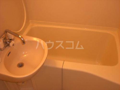 レオパレスウエストリバーⅡ 302号室の風呂