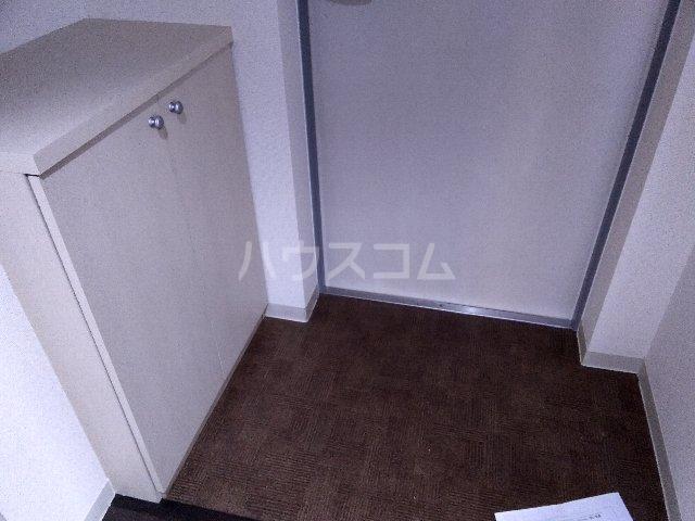 メゾンi本陣 101号室の玄関