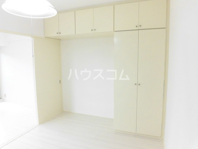 シティーライフ八田 4B号室の洗面所