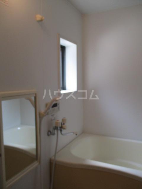 ヴェルドミール 101号室の風呂