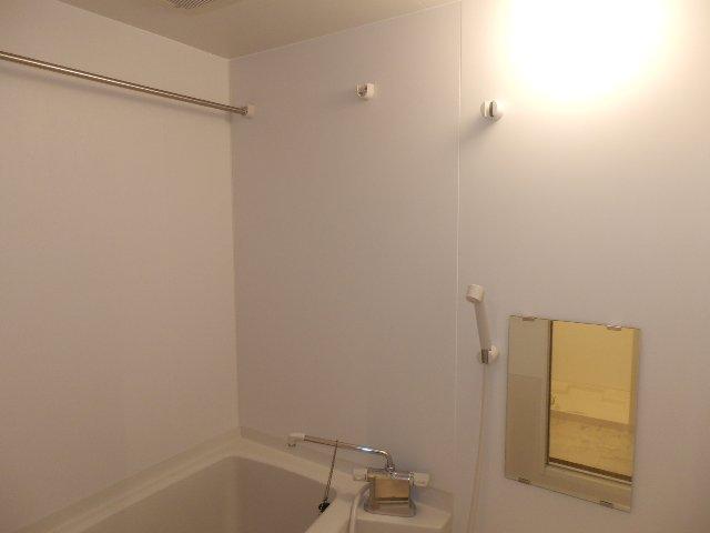 レジデンス本陣 2C号室の風呂