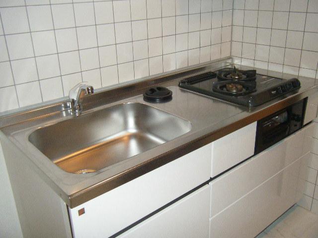 レジデンス本陣 2C号室のキッチン