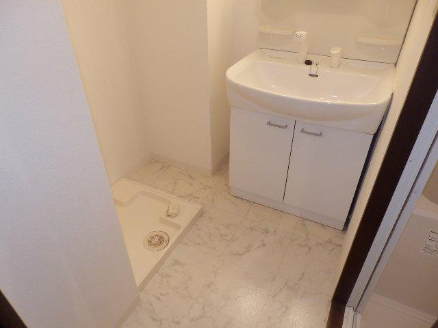 レジデンス本陣 2C号室の洗面所
