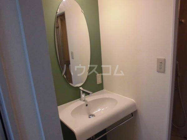 三沢第2マンションりわ 317号室の洗面所