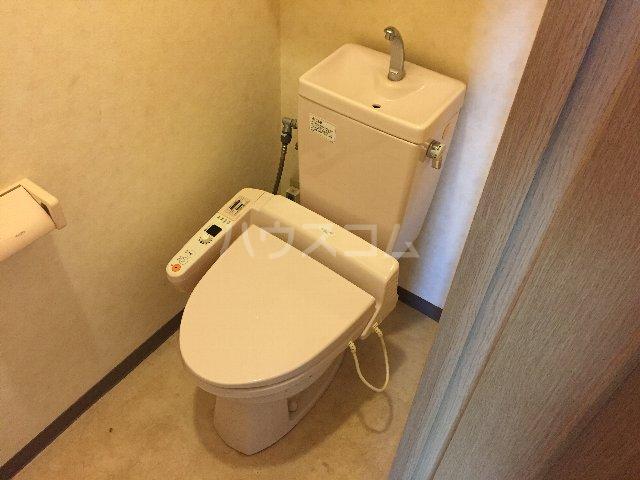 サニーシャトー 302号室のトイレ