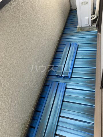 秀和荘 201号室のバルコニー