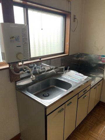秀和荘 201号室のキッチン
