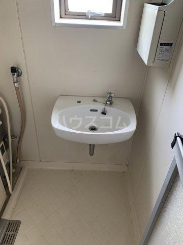 秀和荘 201号室の洗面所