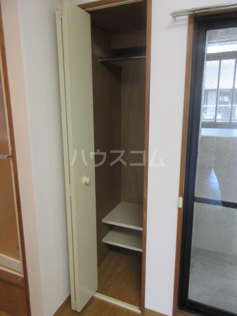 ラフィネ新栄 6011号室の収納