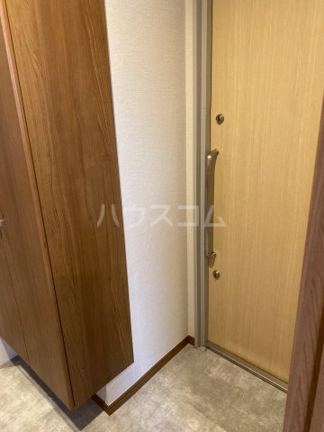 サンシャイン中郷 3A号室の玄関