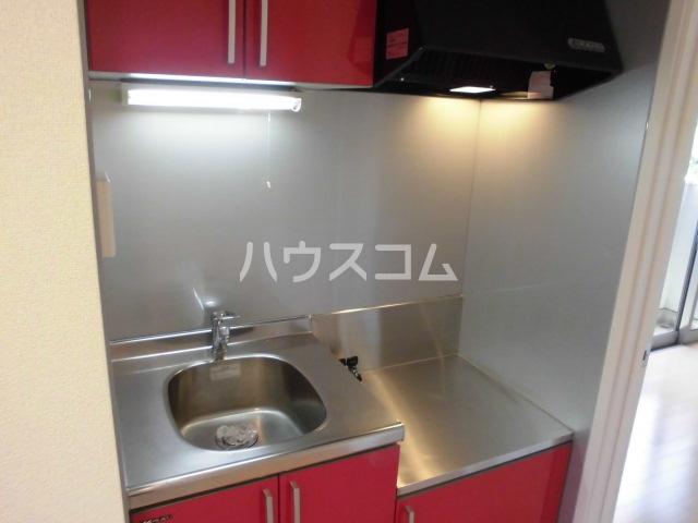 クレフラスト荒子 103号室のキッチン