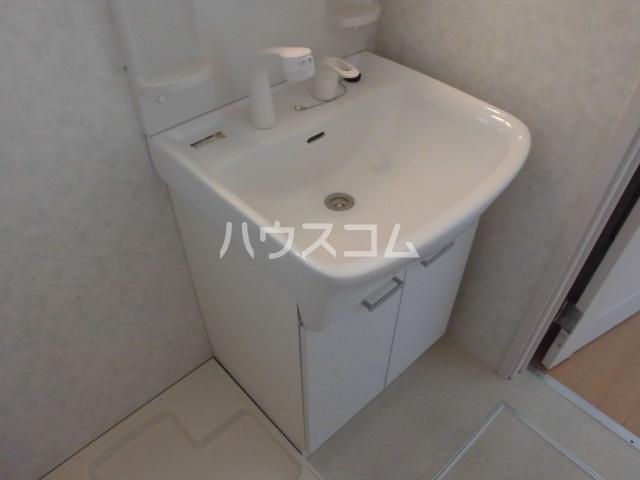 クレフラスト荒子 103号室の洗面所
