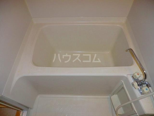 コーラルリーフ 301号室の風呂