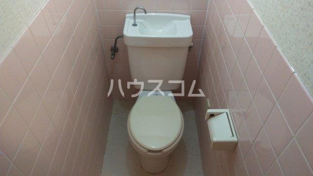 コーラルリーフ 301号室のトイレ