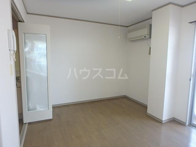 DAIMAN HOUSE 七宝 408号室のリビング