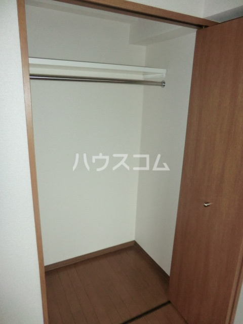 コリーヌアンソレイエ 508号室の収納