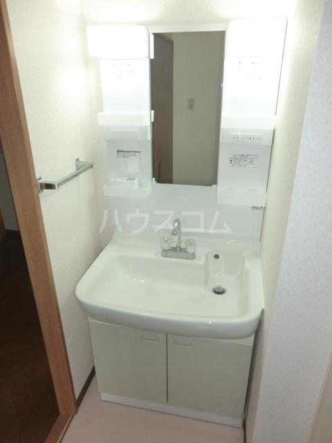 コリーヌアンソレイエ 508号室のトイレ