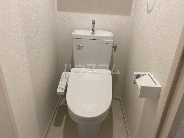 サンキエム 1-B号室のトイレ