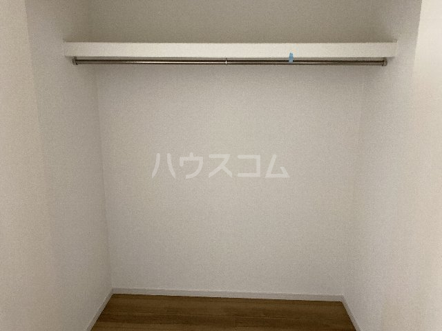 サンキエム 1-B号室の収納
