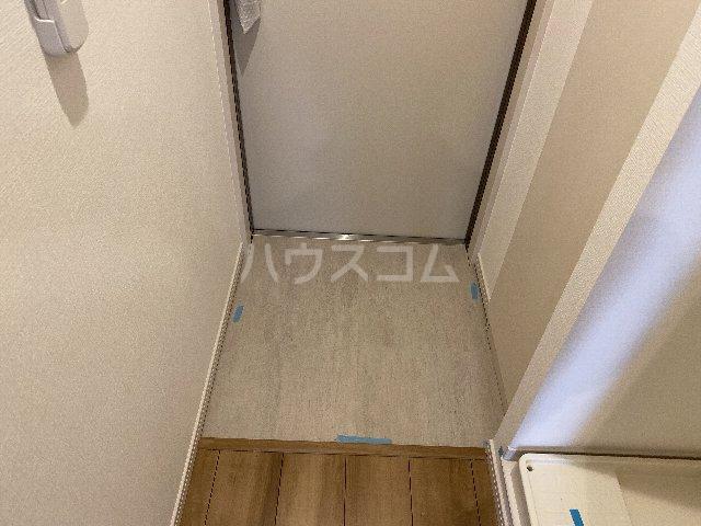 サンキエム 2-A号室の玄関