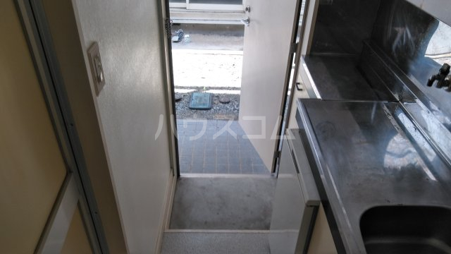 レモンハウス宮戸C C116号室の玄関