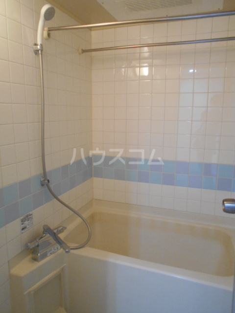アールロマーシュ 302号室の風呂