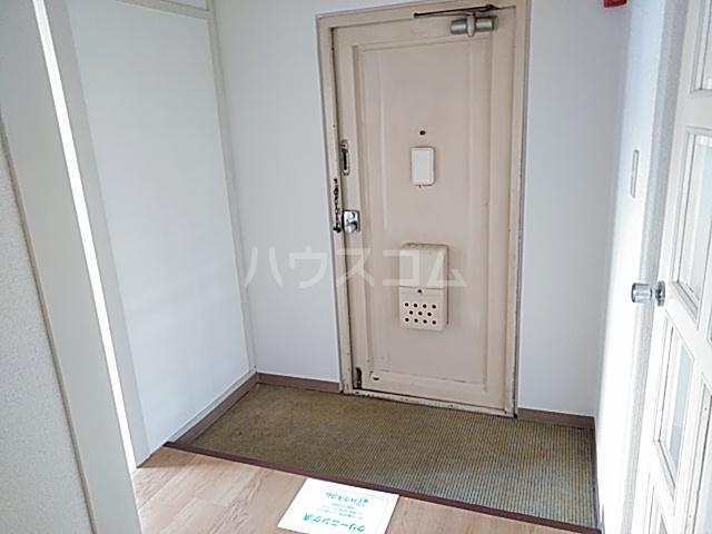 西武郊外マンションC棟 00403号室の玄関