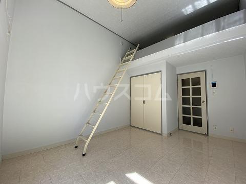 グリーンヒルズ3 101号室の居室