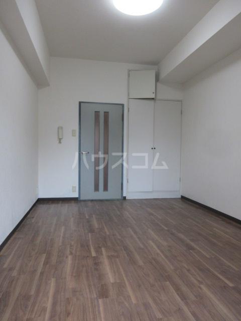 ラディアントⅢ 303号室のリビング