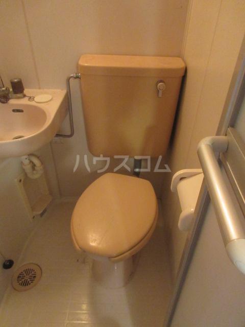 ラディアントⅢ 303号室のトイレ