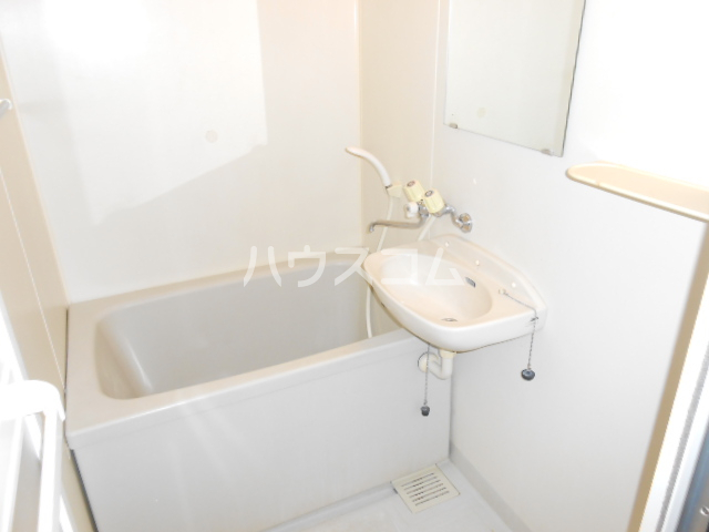 プラゼール 2C号室の風呂