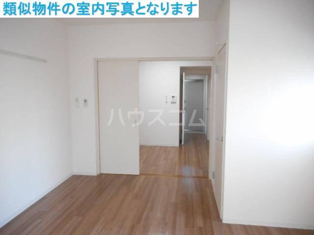 モンテーニュ名駅 1002号室のリビング