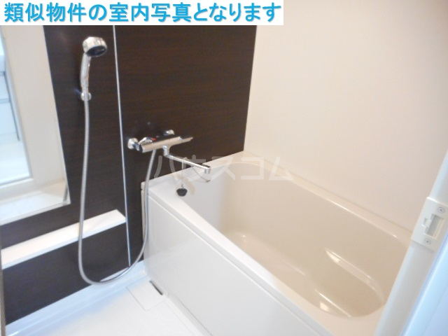 モンテーニュ名駅 1002号室の風呂