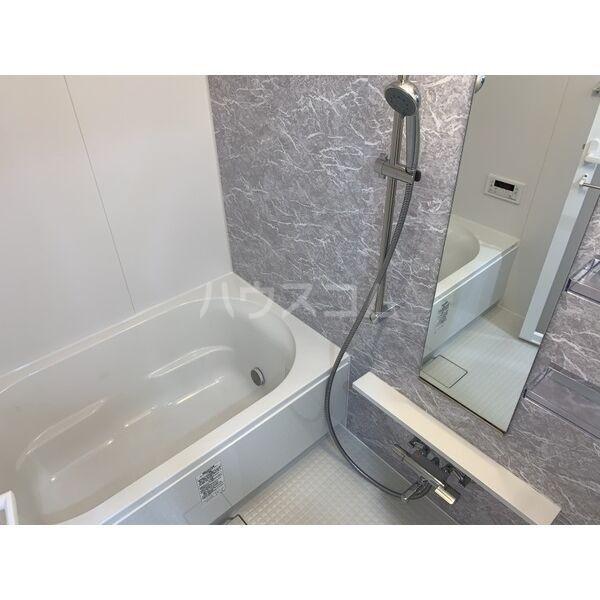 モンテーニュ名駅 903号室の風呂