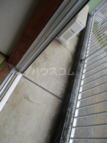 メゾン新井 202号室のバルコニー