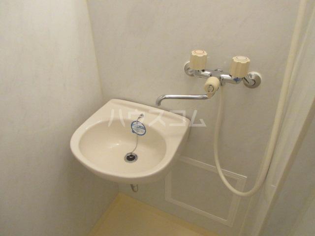 レスパス千種 506号室の洗面所