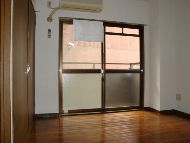 アメニティ名駅 02040号室のリビング