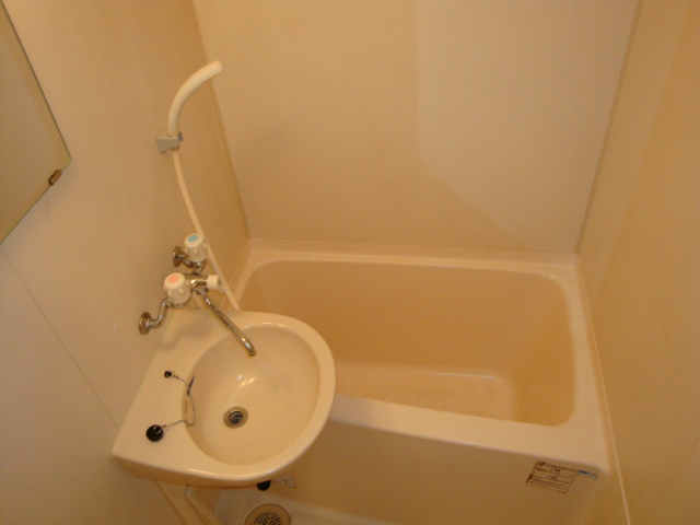 アメニティ名駅 02040号室の風呂