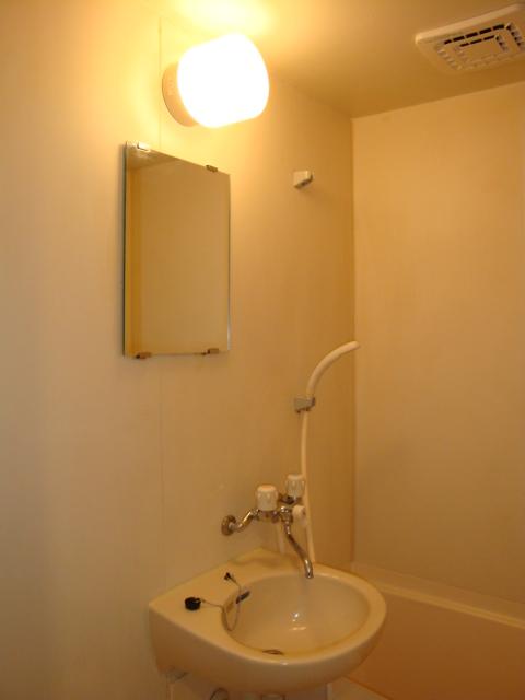 アメニティ名駅 02040号室の洗面所
