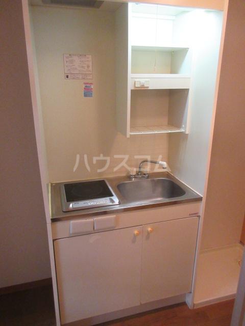 セントラルホーム千早 206号室のキッチン