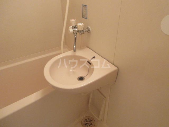 セントラルホーム千早 206号室の洗面所