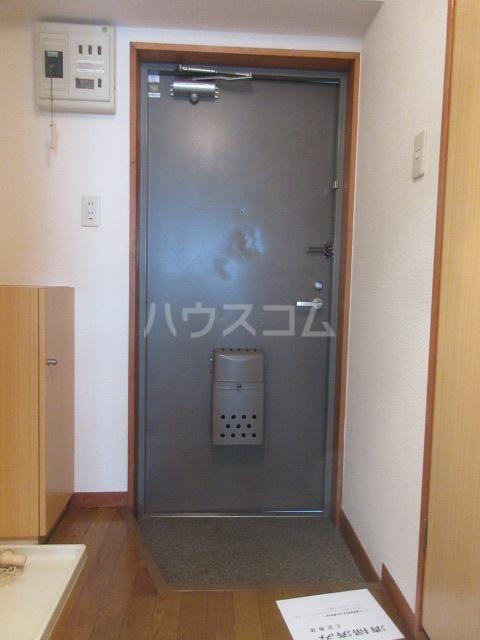 セントラルホーム千早 206号室の玄関