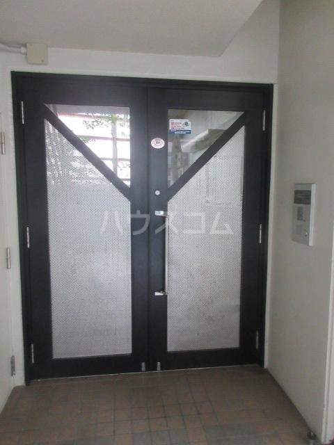 ドール新栄 302号室のロビー