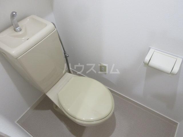 ドール新栄 302号室のトイレ