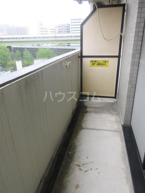 ドール新栄 302号室のバルコニー