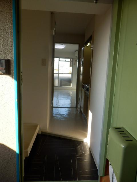 アーバンハイツ中町 3C号室の玄関