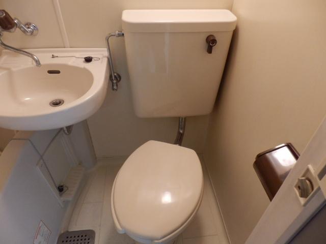 アーバンハイツ中町 3C号室のトイレ