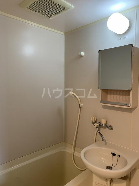 セントラルビルド 207号室の洗面所